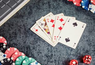 Play Poker Online At No Cost